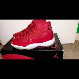 Air Jordan Retro 11. Size 8.5.   9.5/10